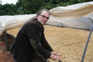 Brazilian-Coffee-Producer-in-Parana-Fabio-Doris-Scatolin2